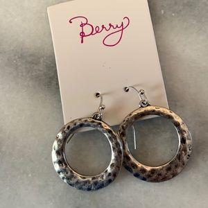 Jewelry - Silver dangle hoop earrings